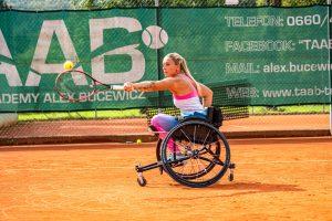 Tina Pesendorfer während des Tennistrainings © Chris Gütl